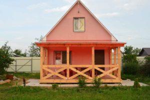 Веранда и розовый домик